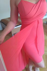 Luxusní lososové šaty na svatbu nebo do společnosti 66b5f8968c