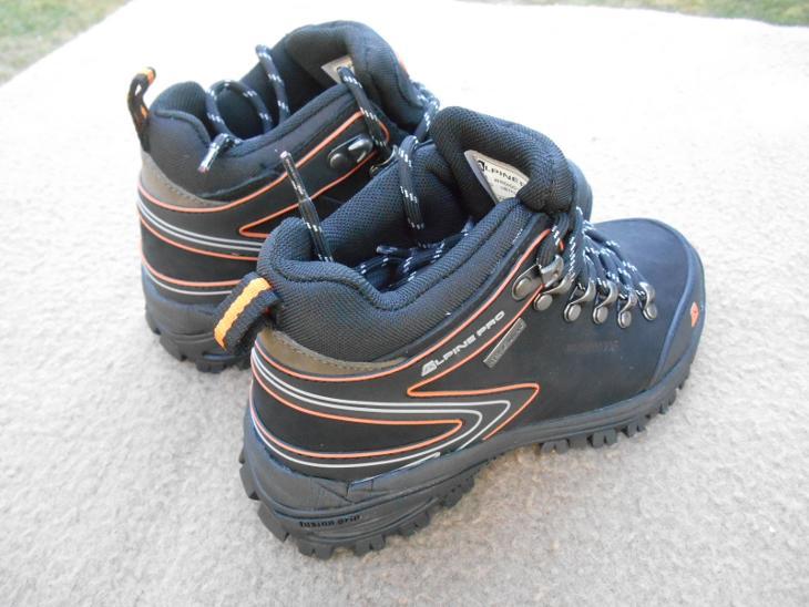 6b9e2c14a6c Nové kožené outdoorové boty zn.  ALPINE Windigo 2 - vel. 36