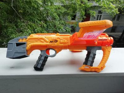 Nerf zbraně: Double dealer,nerf jolt, Mega bow, modulus pistole+držák