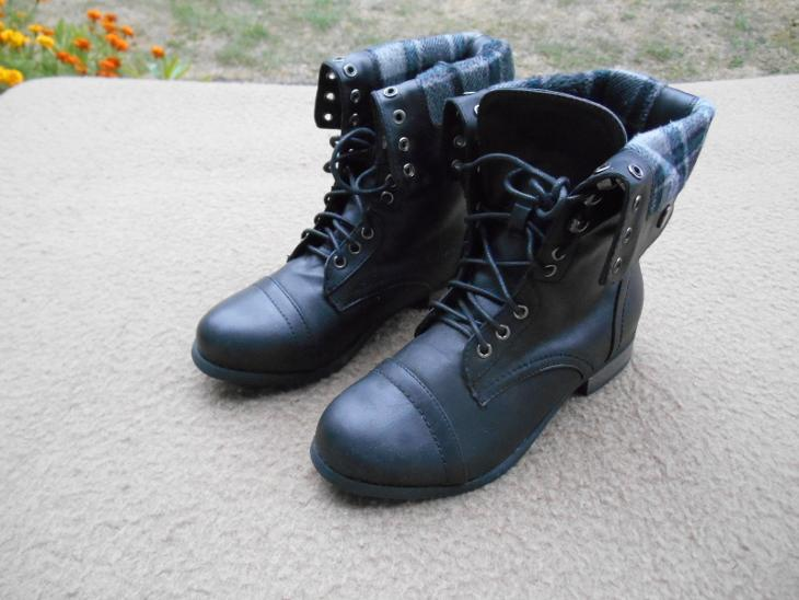a0d721be601 Nové dívčí boty vel. 35