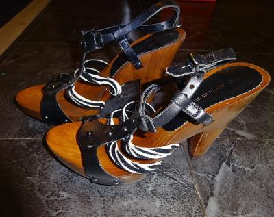 nové dřevěné páskové boty vel 38 Gamlong
