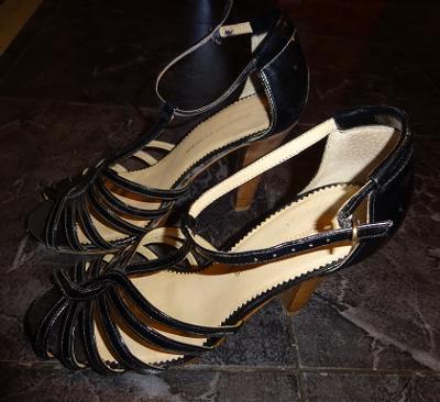 černé páskové boty vel 38 Dorothy Perkins