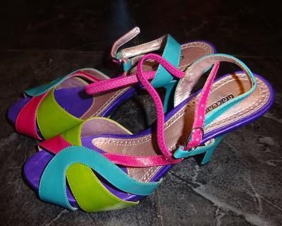 nové barevné páskové boty vel 38 Graceland