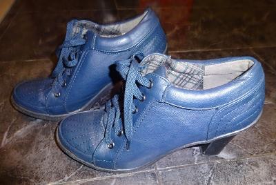 nové modré kotníkové boty vel 39