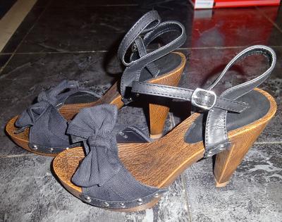 nové plátěné páskové boty vel 38 Meravligliosa