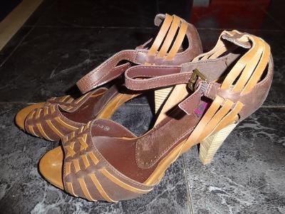 nové hnědé páskové boty vel 38