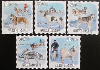 Guinea-Bissau 2009 Psi Aljašky a Sibiře Mi# 4456-60 Kat 13€ 0581