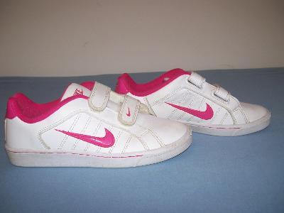 Sportovní obuv dětská NIKE - č. 35