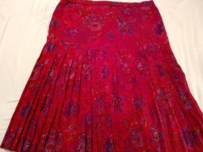 Krásná moderní sukýnka s plisé sukní 46-48 58a92c5e1c