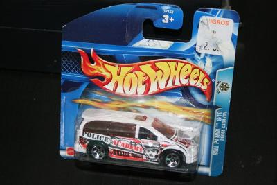 Hot Wheels 169 Roll Patrol Dodge Caravan