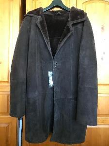 SLEVA  Nový pánský velurový kabát