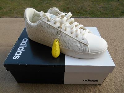 Nové volnočasové boty - tenisky zn Adidas  vel.  41 1/3
