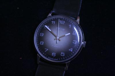 Pánské hodinky PRIM 66, zajímavý číselník, TOP STAV