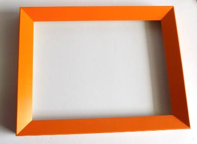 NOVÝ DŘEVĚNÝ RÁM - vnitřní rozměr 18 x 24 cm č.48.