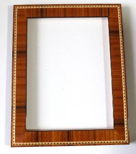 INTARZOVANÝ NOVÝ RÁM - vnitřní rozměr 18 x 24 cm  č.60