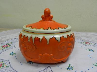 Krásná stará větší oranžová Dóza na nožičkách