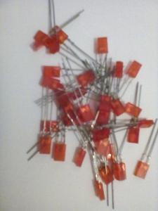 LED 2x4mm červená VQA 14