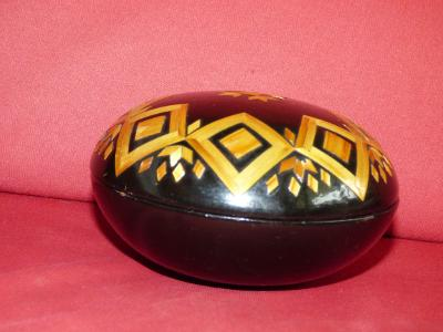 Stará dekorativní dózička, průměr=cca 12,5 cm, velice pěkný stav!