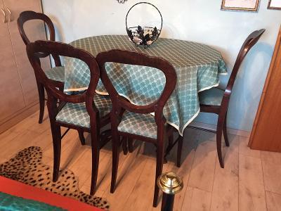 Biedermeier oválný stůl + 4 židle