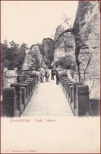 Basteibrücke (Sächs. Schweiz) * lidé, most, skály * Německo * Z735