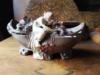 Starožitná špičková figurální secesní značená žardiniéra od 1kč