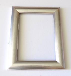 NOVÝ RÁM - vnitřní rozměr 18 x 24 cm č.17.