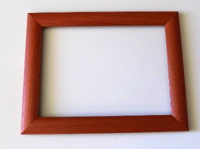 NOVÝ RÁM - vnitřní rozměr 22 x 30 cm 136