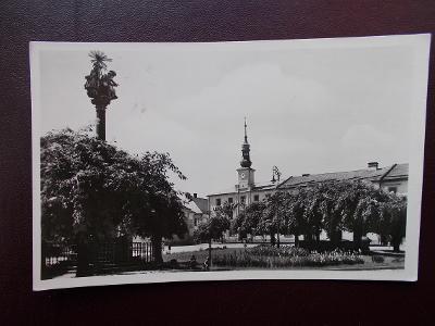 Olomouc Loštice zámek morový sloup jen tvarůžky chybí !
