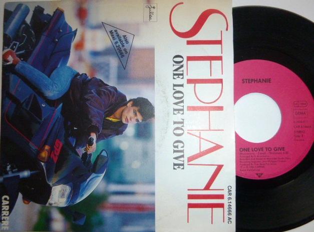 SP STEPHANIE - One Love To Give / Le Sega Mauricien CARRERE 1986 - Hudba