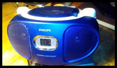 Přenosné audio s CD -  PHILIPS  AZ105V