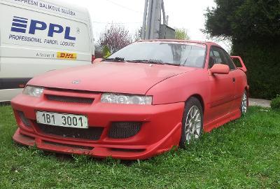 Přední nárazník na Opel Calibra