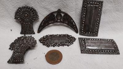 Staré železné spony (334)