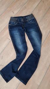 Tmavé Lehce Šisované Rifle Gourd Jeans Velikost S