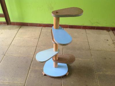 retro umakartový stolek