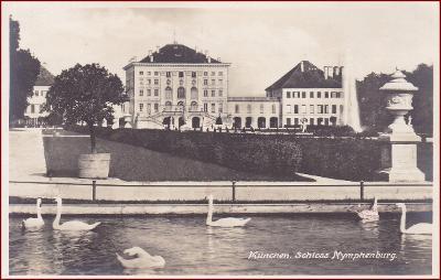 Nymphenburg (München) * zámek, jezero, labutě, park * Německo * Z1087