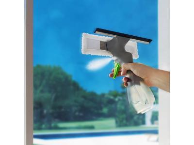 Čistič na okna se sprejem s rozprašovačem a mikrovláknem EXTRA