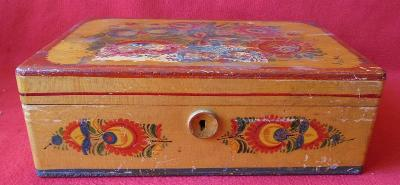 Stará šperkovnice ze dřeva... (8508)