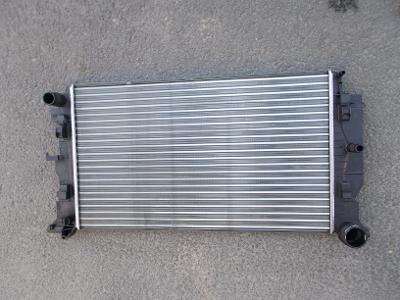 * Mercedes Sprinter  r.v.06-16 - chladič vody /viz.příloha/ ORIG.Valeo