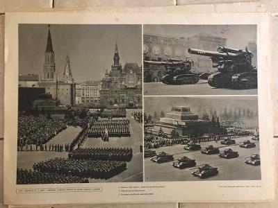 Školní plakát Přehlídka sovětské armády na Rudém náměstí SSSR 1.5 1952