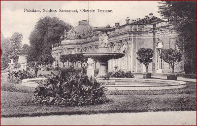 Sanssouci (Potsdam) * zámek, terasa, kašna, park * Německo * Z2453