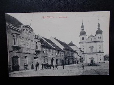 Příbram Březnice náměstí kostel živá lidé