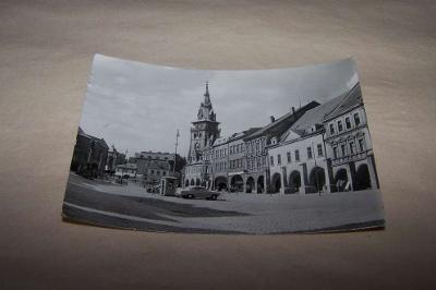 CHOMUTOV náměstí auto/ ak7/