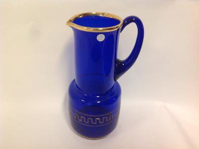 džbán sklo modrý