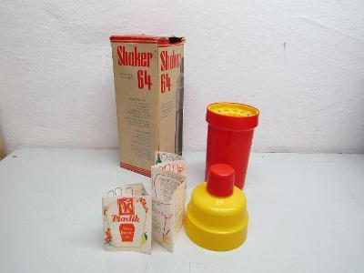 STARÝ PLASTOVÝ ŠEJKR SHAKER 64 PLASTIK