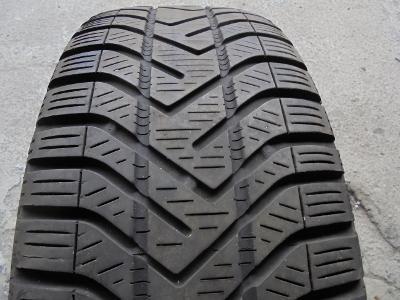 pneu 205 55 16 zimní Pirelli Sotto Zero serie-3 91H 1kus
