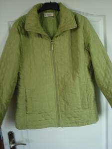 Pěkná  přechodová bunda - kabátek  vel M