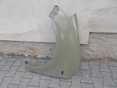 * Suzuki SX4 r.v.06-13 levý přední blatník s otvorem pro blikač