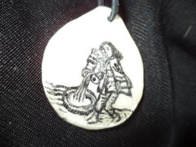 Originální přívěšek na krk - znamení Vodnář