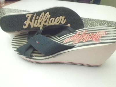 HILFIGER orig. pěkné sandálky eur 37