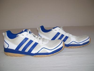 Sportovní obuv dětská  ADIDAS - č. 37 1/3 (sálovky)